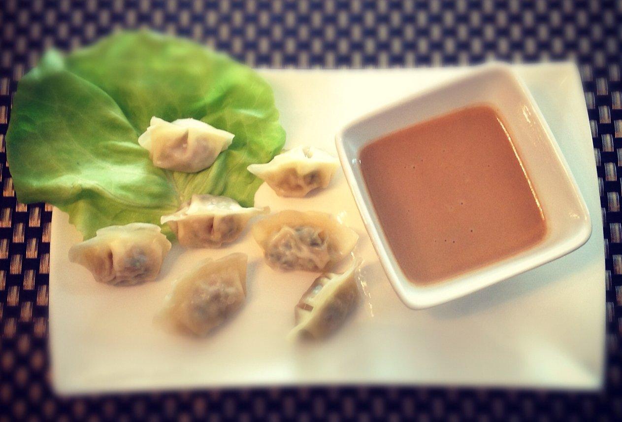dumpling peanut-sauce